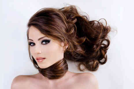 Hectik Hair - £29 for a hair colour, cut, treatment and blow-dry package plus a Shiatsu massage - Save 76%