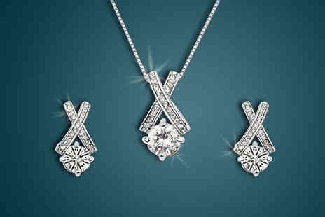 Finishing touch - Enjoy an elegant shine with the Crystal Kiss Jewellery Set - Save 88%