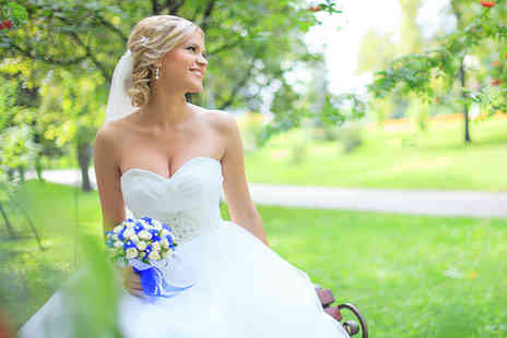 Glenn Hickson Photography - Wedding photography package including 100 images and a mounted print - Save 51%