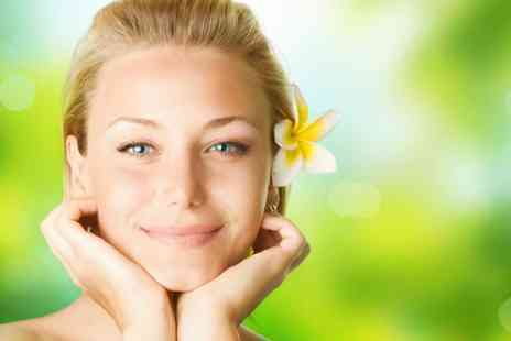 Michael Jane - Session of carboxytherapy under eye treatment  - Save 87%