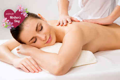 Beauty Lounge   -  90 minute pamper package  - Save 73%