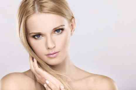 Hair by Candice - Full head of highlights plus a cut & finish - Save 0%