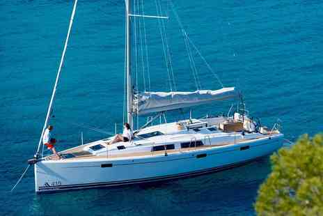 Prestige Portfolio - Introduction to Sailing with Lunch Option - Save 61%