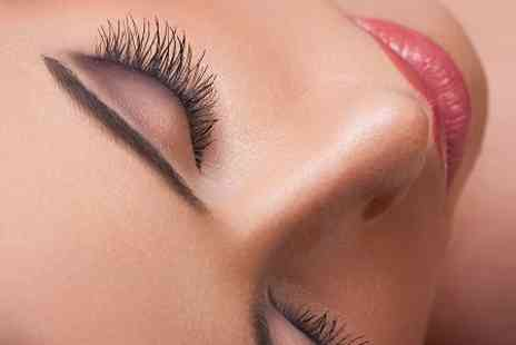 NS Salons St Albans Beauty - Full Set of Lash Extensions  - Save 71%