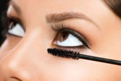 London Makeup Studio - Three Hour Makeup Masterclass Using MAC Products with Goody Bag - Save 81%