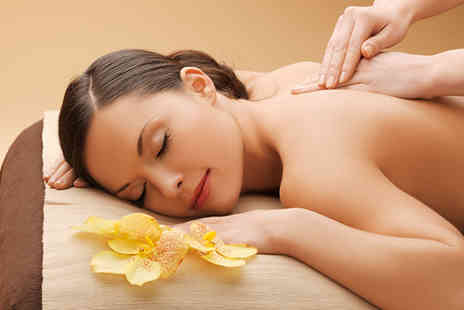 The Beauty Loft - Pamper package with three treatments - Save 65%