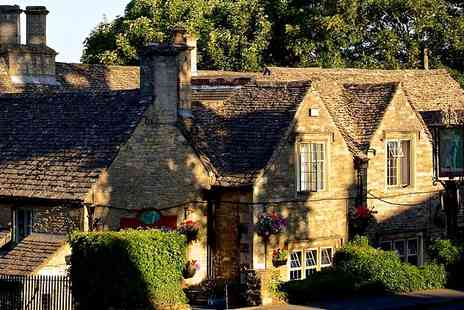 The Lamb Inn - One Night stay For Two With Breakfast and Glass of Wine - Save 0%