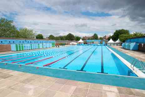 Charlton Lido - Better, Charlton Lido and Lifestyle Club for 15 All Day Access Passes For One - Save 90%