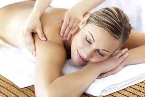 GLO Beauty -  120 minute ultimate summer pamper package  - Save 75%