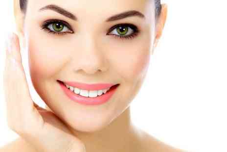 Michael Jane -  Non surgical face and neck  V-lift  treatment  - Save 90%