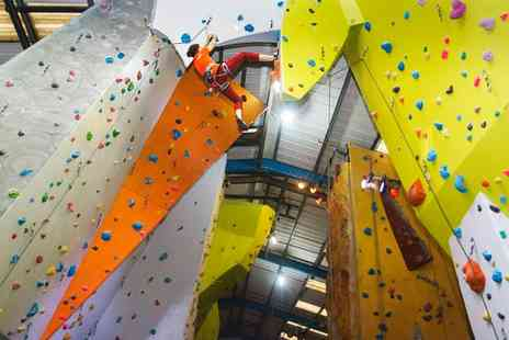 The Reach - Bouldering Induction and Day Pass - Save 67%
