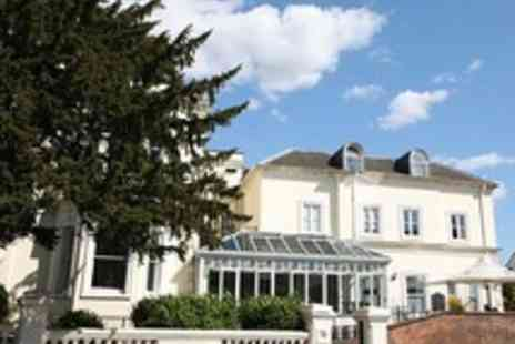 The Episode Hotel - One night Contemporary Getaway in Historic Leamington Spa - Save 41%