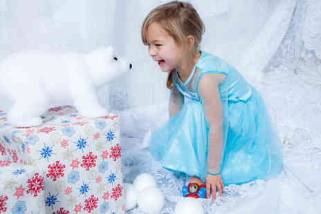 "Life Photographic - Frozen inspired photoshoot for up to six including two 7"" x 5"" prints   - Save 90%"