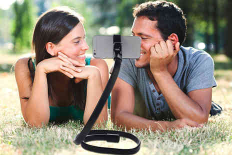 Aven Republic - Bluetooth snakey selfie stick and remote control  - Save 71%