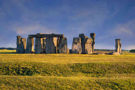 Day Tours London - Guided tour of Stonehenge, Somerset and Bath   - Save 42%