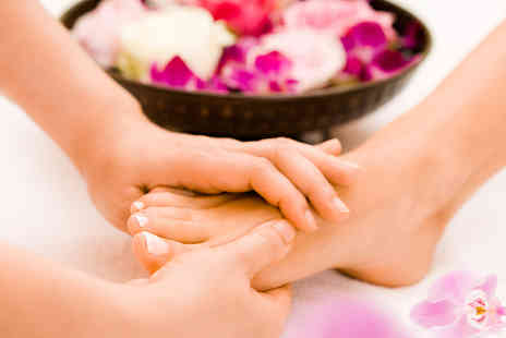 His & Hers Beauty Clinic - Laser fungal nail treatment on one foot - Save 0%