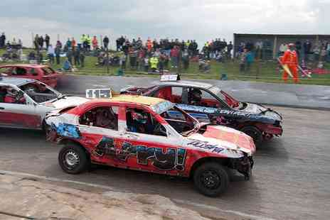 Mendips Raceway - Entry to Brisca F2 Stock Cars, Marion Bennett Trophy National Bangers and Junior Rods  - Save 50%