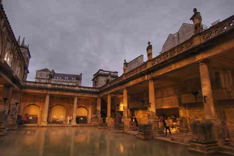 Day Tours London - Coach Trip to Stonehenge and Bath - Save 34%