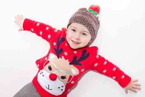 Natalie Jayne Photography  -  Christmas Family Photoshoot with Prints and £25 Towards Framing  - Save 91%