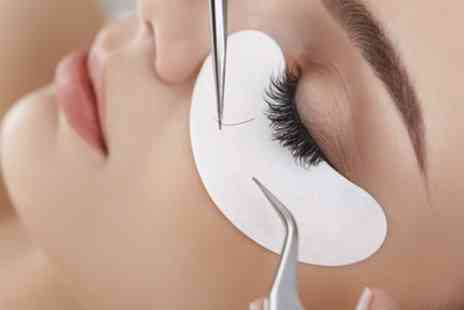 Sinful Beauty - Full Set of Semi Permanent Eyelash Extensions - Save 48%