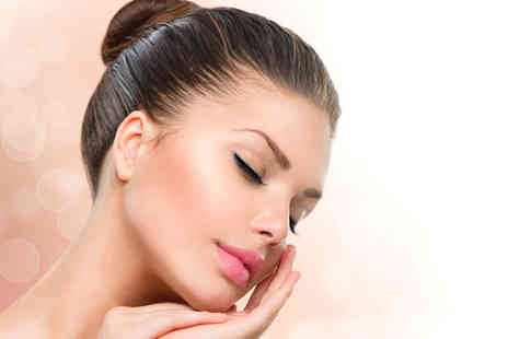 iiaa -  Express Hydraboost facial, shoulder massage and skin analysis for one - Save 80%