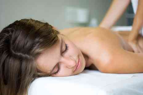 Uevolwe - One 60 Minute Lymphatic Massages - Save 24%