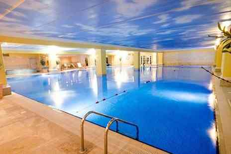 Holmer Park Spa & Health Club - Spa Day with a Serail Mud Chamber Treatment for One - Save 66%