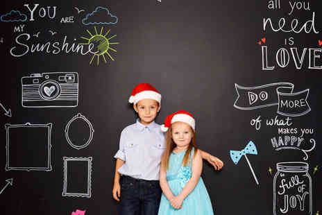 TRENDY ART - One hour giant chalkboard family photoshoot for up to 20  - Save 94%