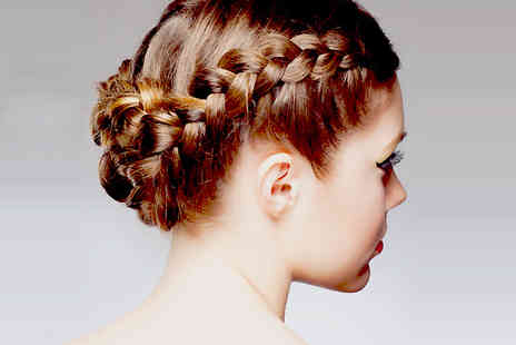 Make Up London Academy - Hair Updo - Save 57%