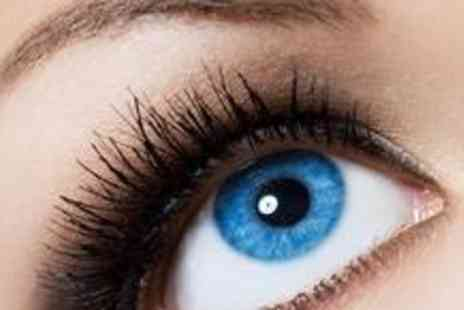 Vanity - Semi permanent eyelashes, an eyebrow shape plus an eyebrow and lash - Save 72%