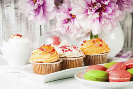 Viator - Cupcake and Macaron Walking Tour of London - Save 0%