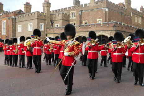 Viator - Changing of the Guard Guided Walking Tour  - Save 0%