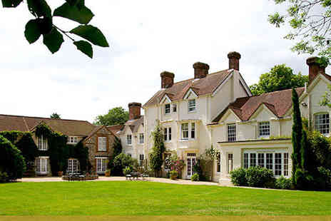 Esseborne Manor - Romantic Hampshire Getaway for Two Including Breakfast, Seven Course Dinner and Prosecco, - Save 40%