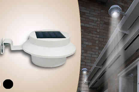 Harvey Robb - Two or Four Pack of Solar Powered Gutter Lights - Save 55%