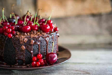 Greenwich Pantry - Cake baking and decorating class for one   - Save 51%