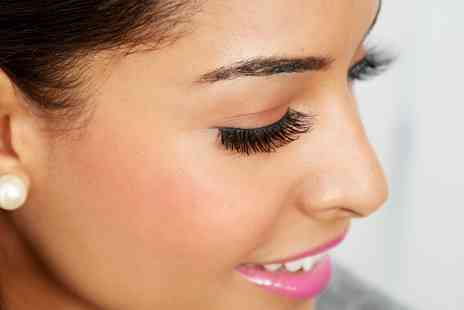 Diamond Nails and Beauty - Full Set of Eyelash Extensions - Save 56%