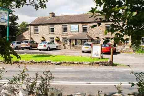The Fat Lamb - Two Night 17th Century Stay with Cream Tea - Save 56%