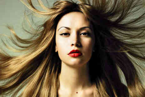 Eclipz salon - Full Head of Highlights and Blow Dry - Save 0%