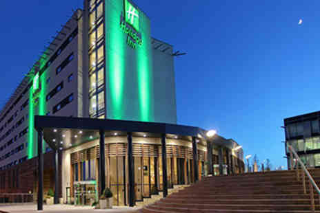 Holiday Inn - One Night stay with a three course dinner, chocolate dipped strawberries and bottle of Prosecco - Save 23%