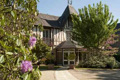 Le Manoir du Lys - Two or Three nights Stay With 1 Michelin meal each, Breakfast Rental bike for the entirety of your stay and Access to the swimming pools - Save 0%