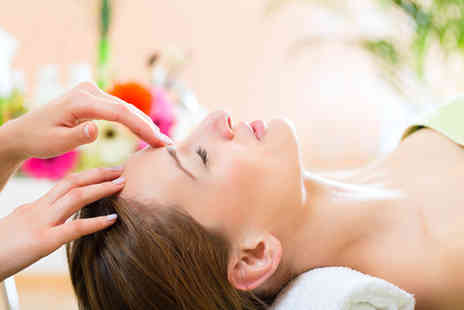 New Look Skin Care Beauty Salon - Eexpress facial and Indian head massage - Save 60%
