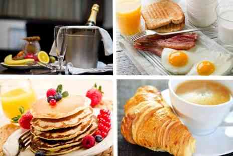 Hilton Manchester Deansgate - Champagne brunch for two - Save 56%