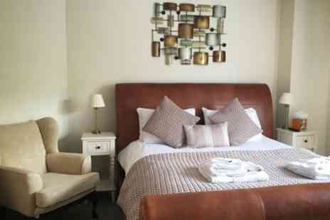 George Hotel - One Night Stay For 2 With Breakfast, Prosecco and Carvery - Save 0%