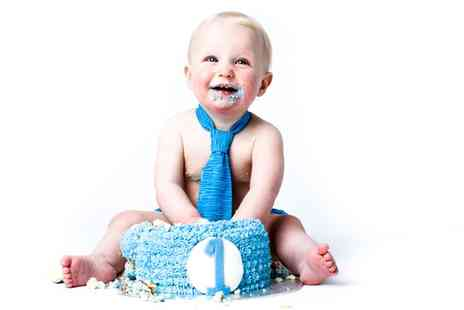 Moda Studios - One Hour Baby Cake Smash Photoshoot - Save 0%