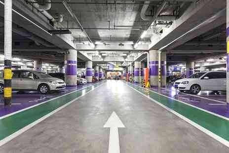 Fast Park Heathrow - Valet Parking - Save 26%