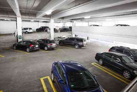 Perfect Parking - Meet and Greet Airport Parking for Up to 15 Days - Save 0%