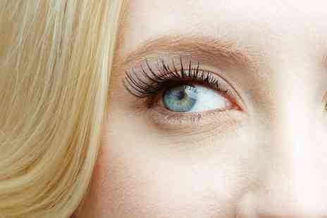 BeautyLicious - Full Set of Eyelash Extensions - Save 55%