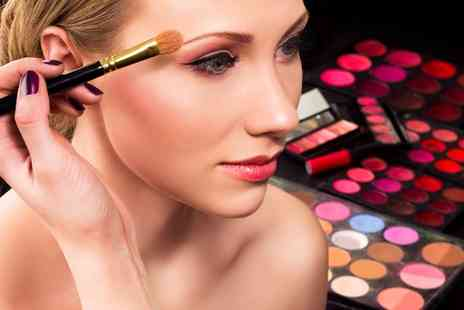 Elba Beauty - One day Mac Make Up Workshop Beauty Course with Eye Make Up Brushes to Take Away - Save 82%