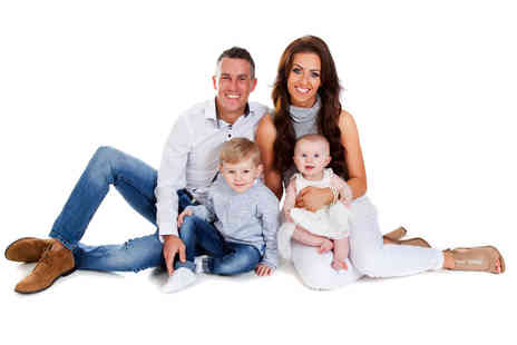 Premier Photography - One hour family photoshoot for up to 12 people with 12 prints - Save 0%
