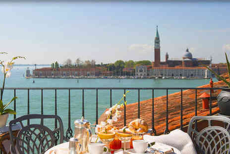 Hotel Metropole Venice - Five Star 3 nights Stay in a Deluxe Room - Save 67%